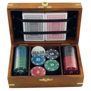 Karte za poker v šatulji