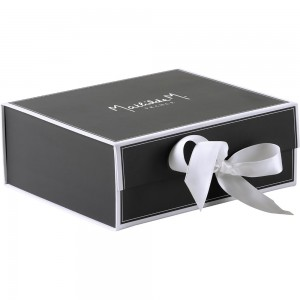 Darilna škatla Mathilde M.